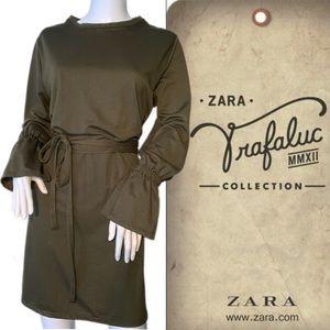 Zara olive green dress. Trafaluc.